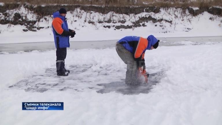 Сегодня семнадцатый день у села Верхозино Шадринского района продолжаются поиски утонувшего мальчика
